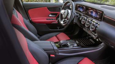 Mercedes A 250 e - front seats