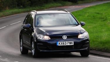 Volkswagen Golf Estate front tracking