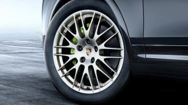 Porsche Cayenne Platinum Edition wheel
