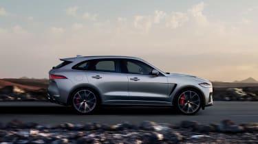 Jaguar F-Pace SVR - side action