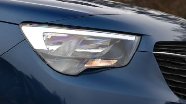 vauxhall combo life xl headlight