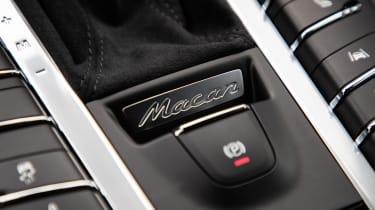 Porsche Macan Turbo - handbrake