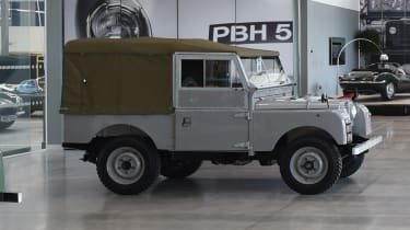 Land Rover Series One side profile