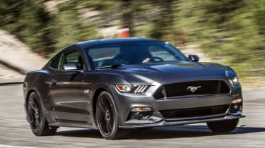 Ford Mustang V8 action