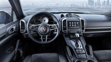 Porsche Cayenne Platinum Edition cabin