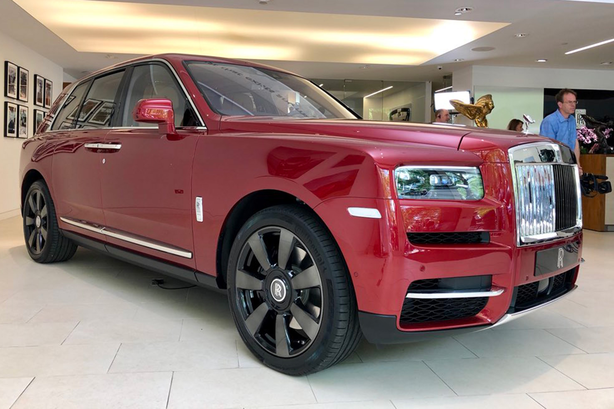 New Rolls Royce Cullinan Suv Revealed Auto Express