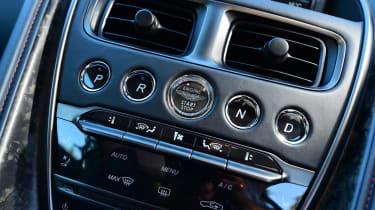 Aston Martin DBS Superleggera - centre console