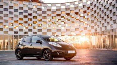 Nissan Leaf Black front right quarter