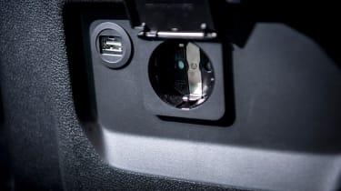 Renault Trafic SpaceClass - plug socket