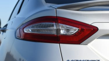 Ford Mondeo - rear light detail