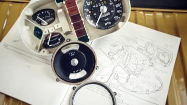 Range Rover Reborn - equipment