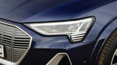 Audi e-tron S - front light