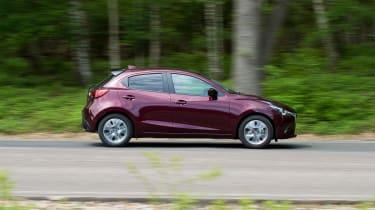 Mazda 2 - side