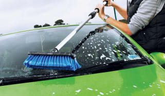 Wash brushes header