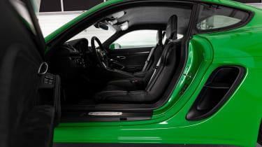 Porsche 718 Cayman GTS 4.0 - front seats