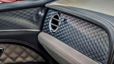 Bentley Bentayga Hybrid - interior detail