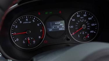 Triple test –Kia Picanto - dials