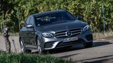 Mercedes E 300 e - front action