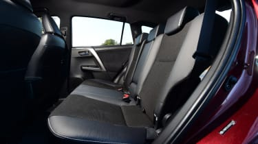 Toyota RAV4 2016 - rear seats
