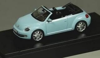 Volkswagen Beetle Cabriolet blue