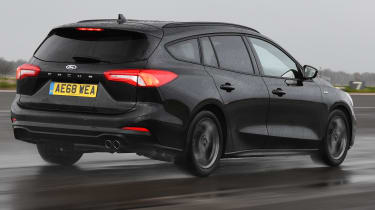ford focus estate tracking rear quarter