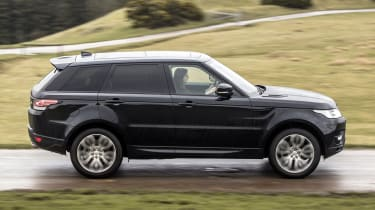 Range Rover Sport HSE MY2017 - side tracking