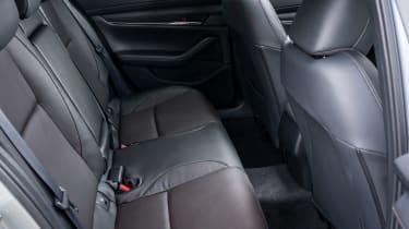 Mazda 3 e-SkyActiv X - rear seats