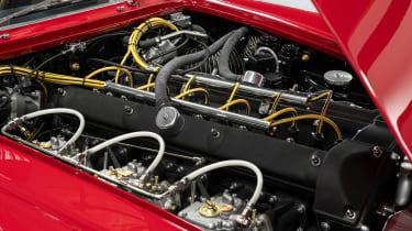 Aston Martin DB4 GT Zagato Continuation - engine