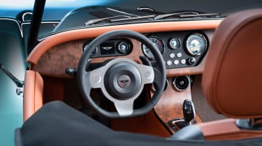 Morgan Plus Six - steering wheel
