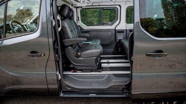 Renault Trafic SpaceClass - sliding door