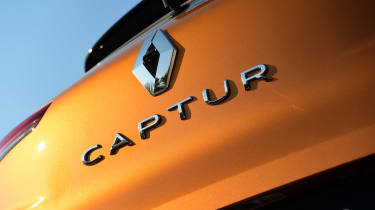 Renault Captur - badge
