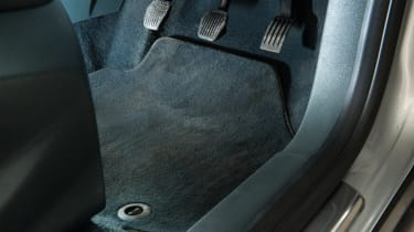Ford C-MAX (used) - footwell