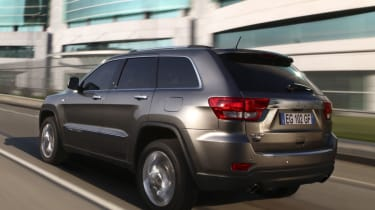 Jeep Grand Cherokee rear track