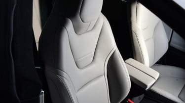Tesla Model S 2016 facelift front seats
