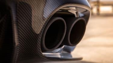 Aston Martin Vanquish S 2016 - exhaust