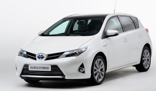 Toyota Auris Hybrid front