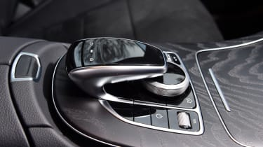 Mercedes E 300 de - long-term review - console