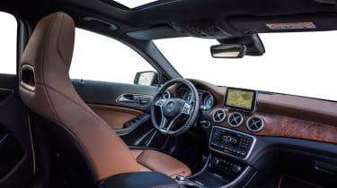 Mercedes GLA 250 SE - cabin
