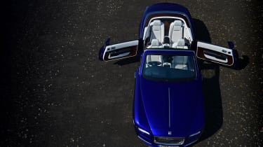 Rolls-Royce Dawn 2016 - front overhead doors open