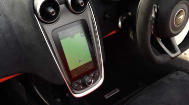McLaren 600LT Spider - navigation