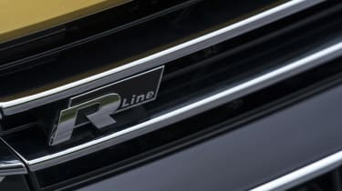 Volkswagen Arteon review - gold R logo