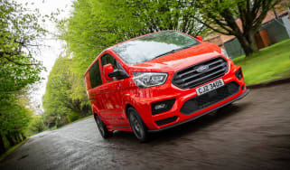 MS-RT Ford Transit Custom red