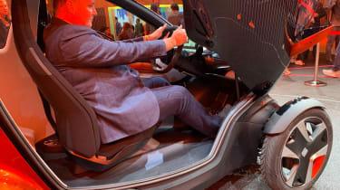 SEAT Minimo concept - Steve inside