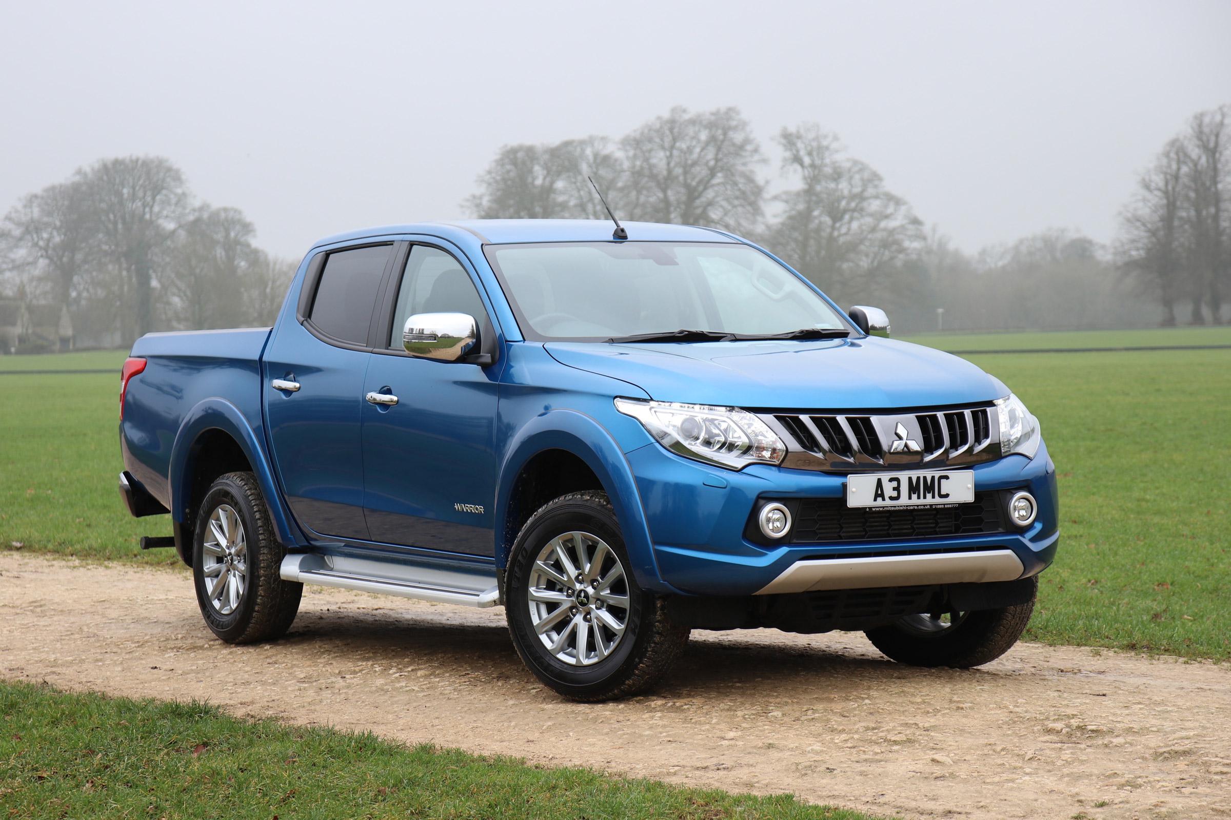 Mitsubishi L200 pick-up gains tech upgrades and 3.5-tonne ...