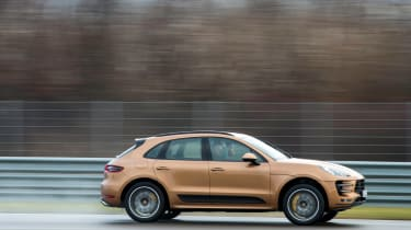 Porsche Macan Turbo 2014 brown pan