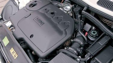 MINI One engine