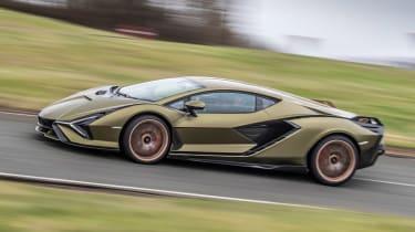 Lamborghini Sian - side