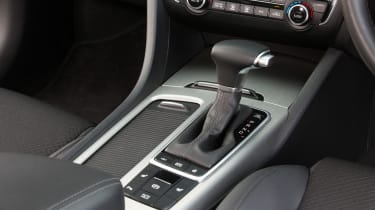 Kia Optima Sportswagon PHEV - transmission