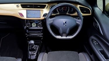 DS 3 Performance Cabrio 2016 - interior