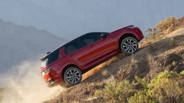 Land Rover Discovery Sport - side off-road